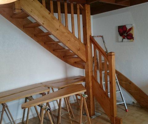 Rénovation escalier sapin