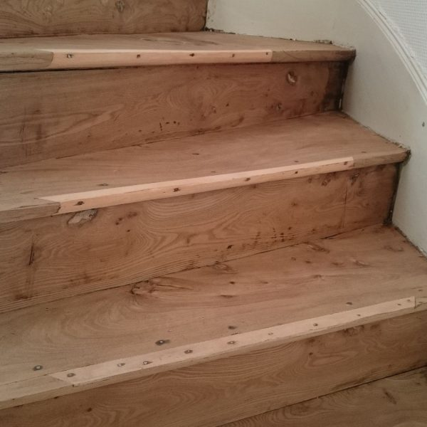 Ponçage escalier ormeau
