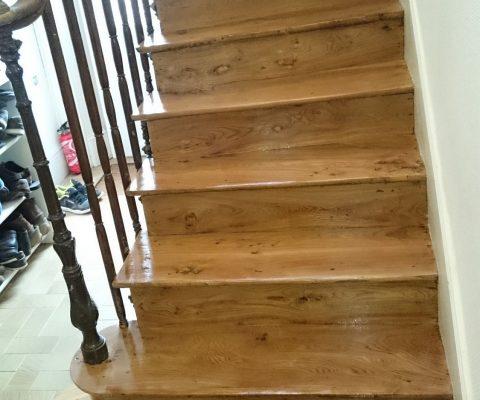 Rénovation escalier avec colle